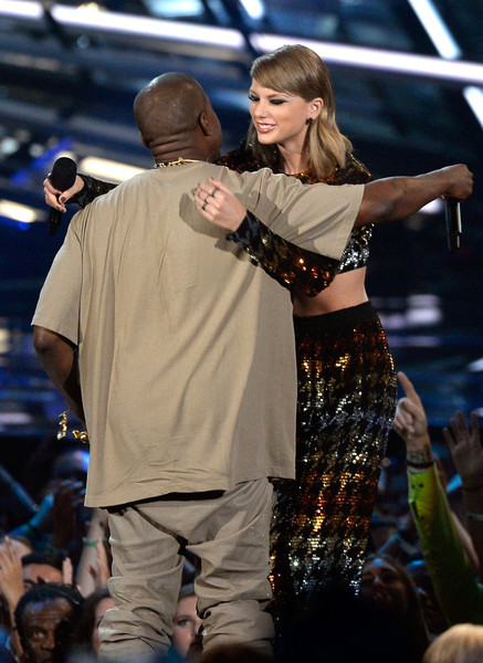 photo KanyeWest2015MTVVideoMusicAwardsFixedKR_jmmFMaial.jpg