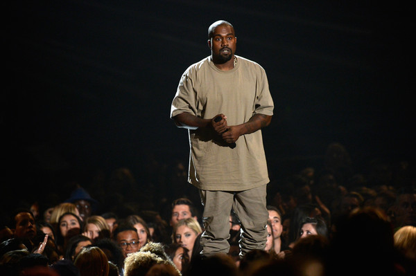 photo KanyeWest2015MTVVideoMusicAwardsFixedoAVemKze0jyl.jpg