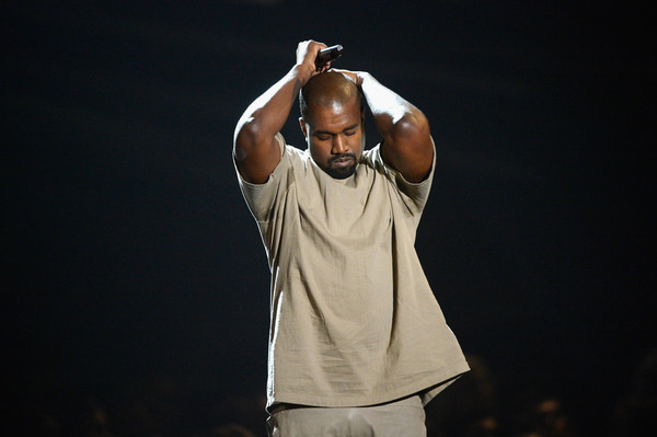 photo KanyeWest2015MTVVideoMusicAwardsFixeds7yceFBqJDGl.jpg