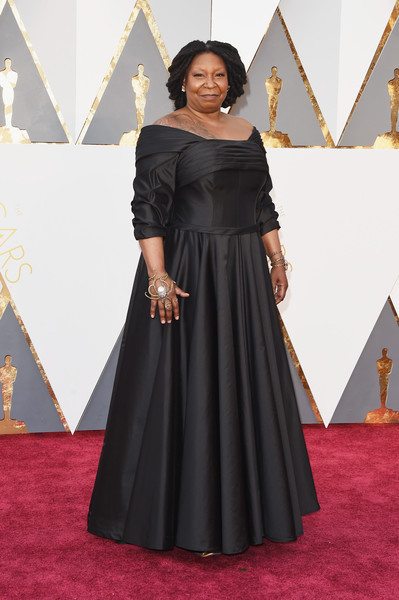 photo WhoopiGoldberg88thAnnualAcademyAwards3DYb8HX6rK0l.jpg