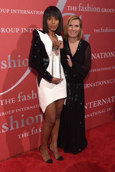 photo KerryWashingtonReceivesLordTaylorFashionv3AqTq-KmUUl.jpg